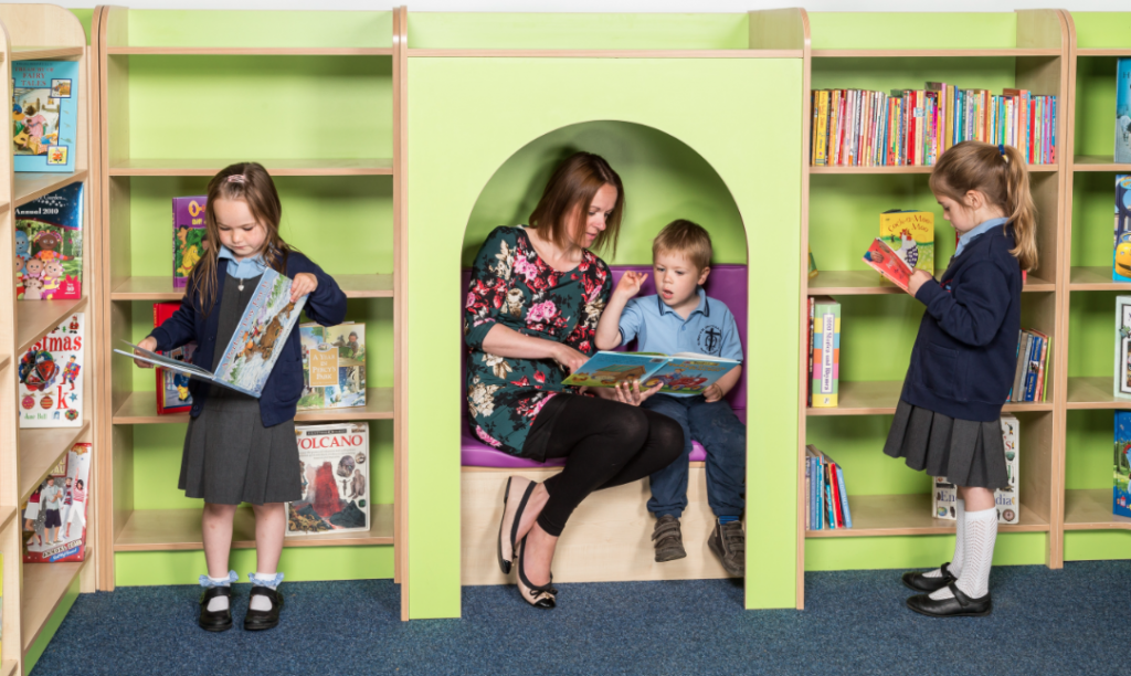 Library furniture KubbyClass reading nook